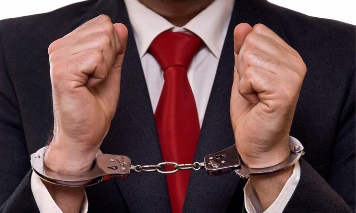 AmosSeah_Nov2013_handcuff