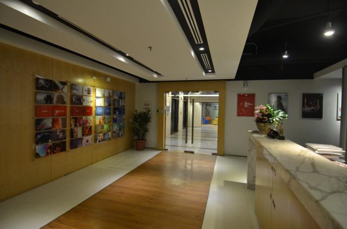 HR_SMG_Entrance