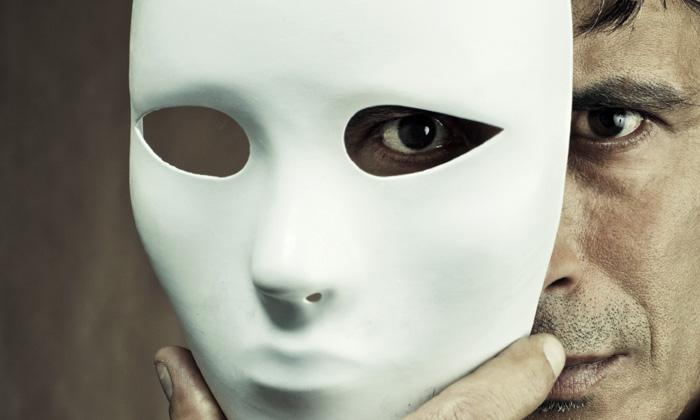 SabrinaZolkifi_Mar2013_man-phantom-mask