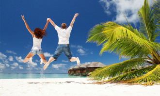 Sabrina-Zolkifi-Sept-2014-beach-couple-vacation-holiday-shutterstock