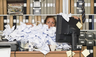 Jerene-Jan-2015-messy desk-shutterstock(original)