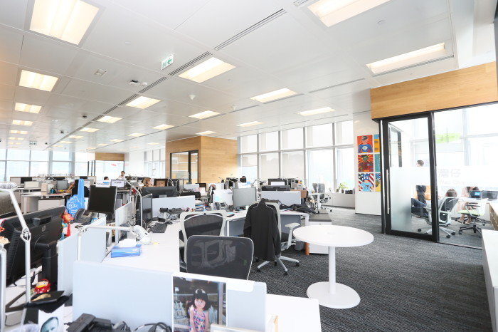 hong kong office space. For Other Business Leaders Or HR Professionals Who Are Thinking About How They May Able To Redesign Spruce Up Their Current Office Space, He Suggests Hong Kong Space F