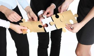 Aditi-Mar-2017-training-planning-future-jigsaw-puzzle-teamwork-123rf