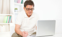 Man submitting claims online