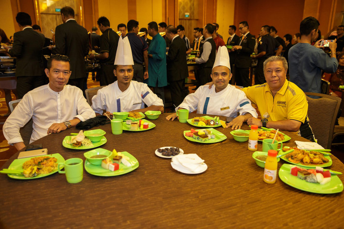 Muslim-and-Non-Muslim-Team-Members-from-different-departments-came-together-to-break-fast-during-the-internal-Iftar-event