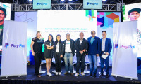 From left: Leanne Sheraton, Vice President of Marketing for PayPal Asia Pacific; with the PayPal Freelancer Community Program Ambassadors Liz Lanuza, Ginger Arboleda, Fitz Villafuerte  and Abe Olandres; and Rahul Shinghal, General Manager, PayPal Southeast Asia, and RJ Ledesma, events host.
